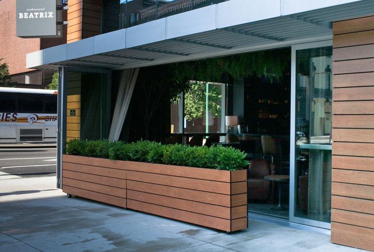 Aloft exterior restaurant