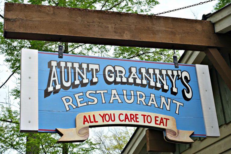 Dollywood-Aunt-Grannys